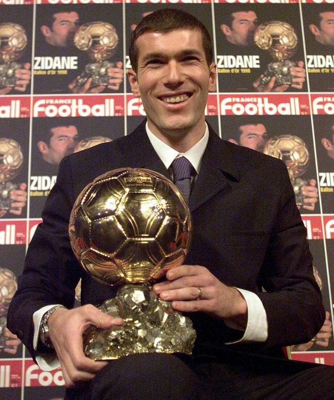 Zidane: Tu thu phuc Ronaldo den 'vi dai nhat the gioi' hinh anh 4