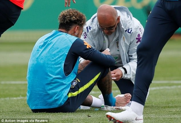 Neymar tai phat chan thuong truoc World Cup hinh anh 1