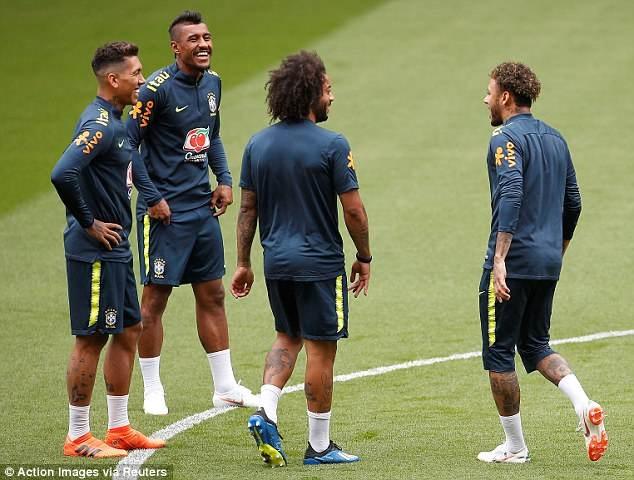 Fan Brazil tho phao khi Neymar tro lai,  DT Brazil anh 2