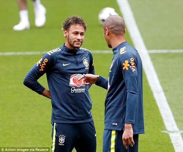 Fan Brazil tho phao khi Neymar tro lai,  DT Brazil anh 3