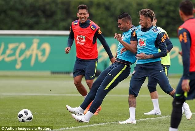 Neymar tai phat chan thuong truoc World Cup hinh anh 4