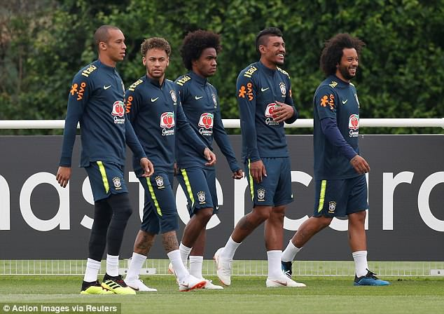 Neymar tai phat chan thuong truoc World Cup hinh anh 5