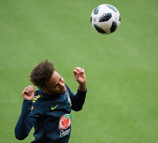 Fan Brazil tho phao khi Neymar tro lai,  DT Brazil anh 6