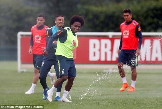 Neymar tai phat chan thuong truoc World Cup hinh anh 6
