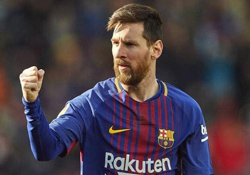 Messi cao buoc Madrid boi nho danh du minh trong lum xum tron thue hinh anh