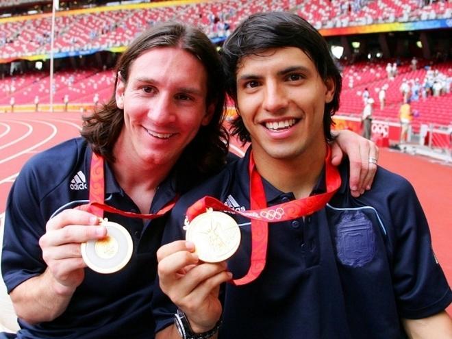 Argentina vs Nigeria: Messi giuong doi canh phuong hoang hinh anh 2