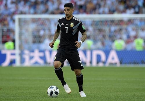 Lap muu 'bat chet' Messi, nhung Phap dung quen 'pho tuong' Banega hinh anh