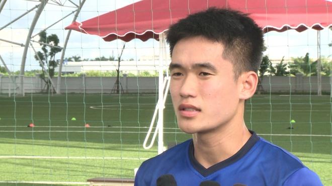 Trung ve U23: 'Moi cau thu dang canh tranh song phang' hinh anh 1