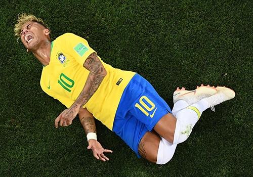 Neymar thua nhan hanh dong an va tai World Cup 2018 hinh anh