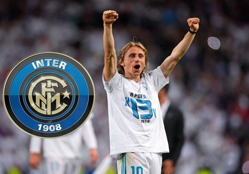 Modric gap chu tich Perez, xin sang Inter Milan de doi dau Ronaldo? hinh anh