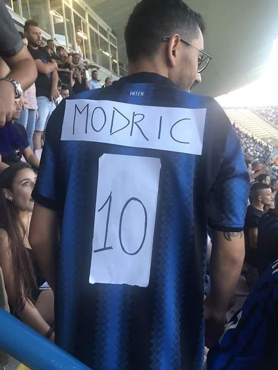 HLV truong Inter Milan: 'Toi mo co Modric, them Messi cung hay' hinh anh 2