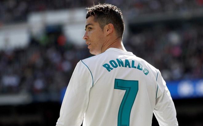 La Liga truoc ngay khai man: Con gi khi vang Ronaldo? hinh anh
