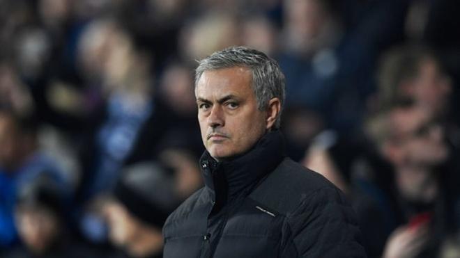 'Mourinho dang tro thanh Wenger va vay ban moi vinh quang qua khu' hinh anh