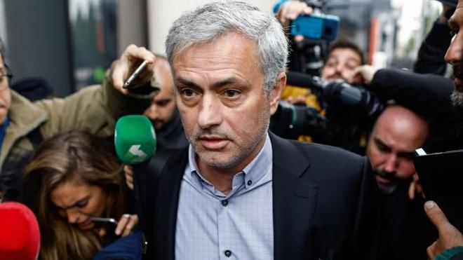 Mourinho tron thue: Khi Tay Ban Nha tro thanh 'dat du' voi ngoi sao hinh anh 2