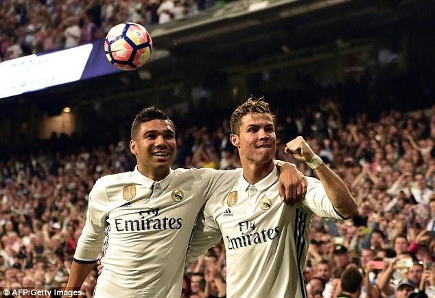 Casemiro gat Modric, chon Ronaldo cho Qua bong vang 2018 hinh anh 1