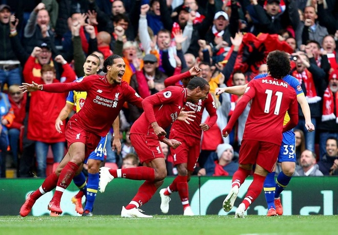 Liverpool ha Southampton 3-0: Thang to co giup vo dich khong? hinh anh