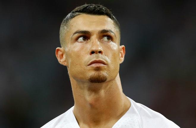 Trao giai FIFA The Best: Ronaldo khong con chien thang? hinh anh