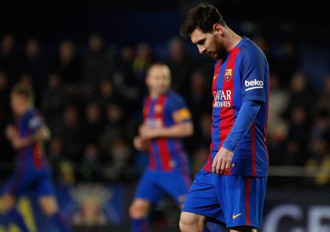 Khi Messi khong the mai dong vai dang cuu the hinh anh
