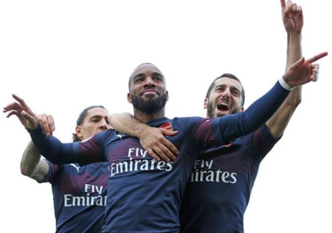 Thang Fulham 5-1, Arsenal tao hien tuong chua tung co tai NHA hinh anh