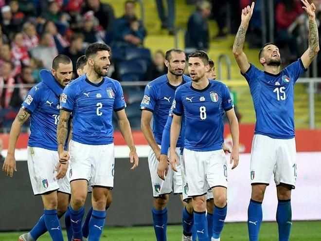 Doi tuyen Italy va tia sang tuong lai tu vuc tham voi HLV Mancini hinh anh