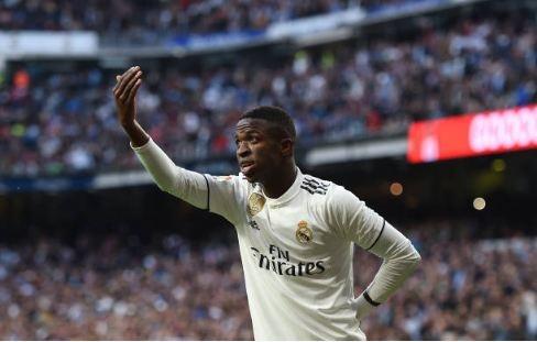 Real Madrid thang Valladolid 2-0: Cuu tinh Vinicius Junior hinh anh