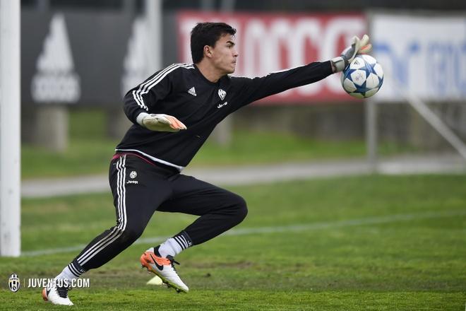 Thu mon goc Indonesia khien Juventus me met nhung khong du AFF Cup hinh anh 2