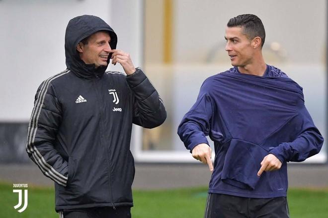 Juventus vs MU: Cho show dien cua Ronaldo hinh anh 3
