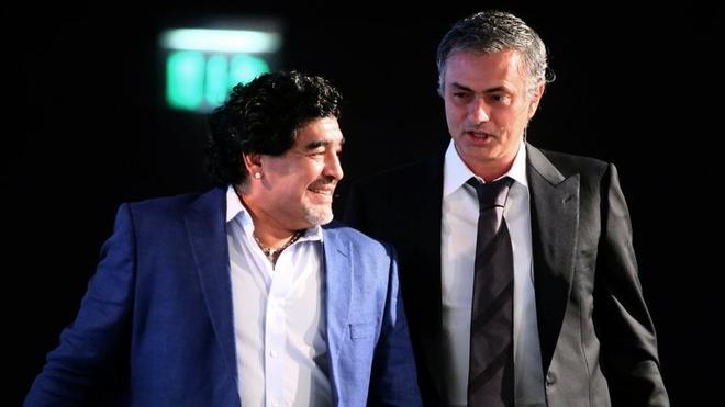 Maradona: 'Mourinho la so mot, Pep huong thanh qua cua Cruyff' hinh anh