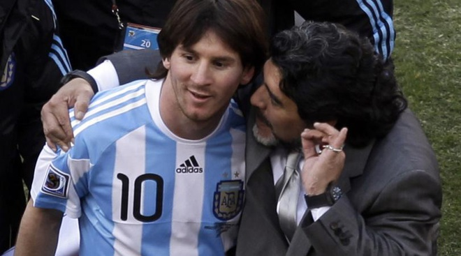 Maradona: 'Mourinho la so mot, Pep huong thanh qua cua Cruyff' hinh anh 2