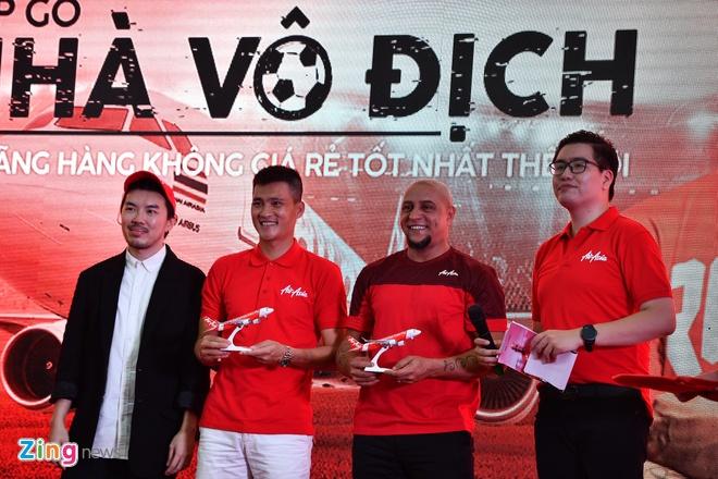 Den My Dinh, Roberto Carlos chuc DT Viet Nam thang Malaysia hinh anh 1