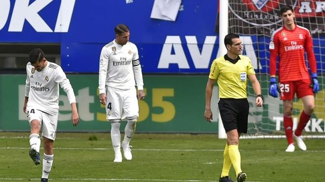 Khoang trong Ronaldo bo lai dang huy hoai Real Madrid hinh anh 1