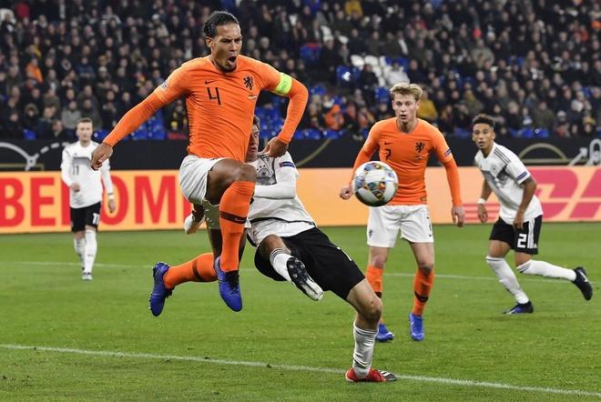Duc tai ngo Ha Lan tai vong loai Euro 2020 hinh anh