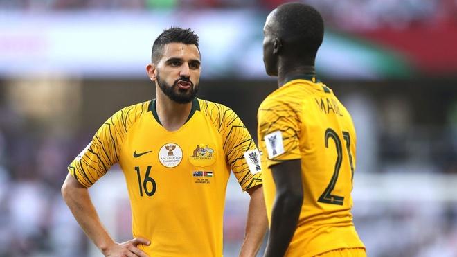 DKVD Australia bat ngo thua tran ra quan Asian Cup 2019 hinh anh