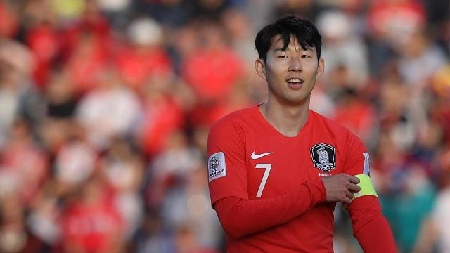 Son Heung-min mo nhat, Han Quoc chat vat vao tu ket Asian Cup hinh anh