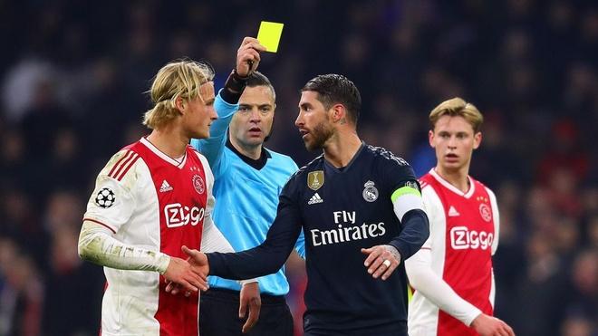Sergio Ramos truoc nguy co bi UEFA phat nang vi tay the hinh anh 1