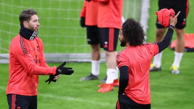 Sergio Ramos au da voi Marcelo tren san tap hinh anh 1