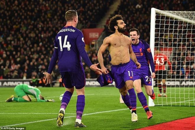 Salah toa sang giup Liverpool tro lai ngoi dau Premier League hinh anh 2