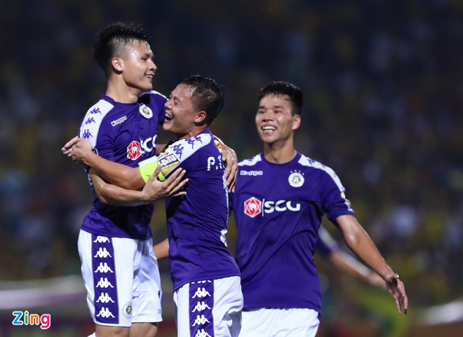 Quang Hai toa sang giup CLB Ha Noi thang dam SLNA 4-0 hinh anh 1