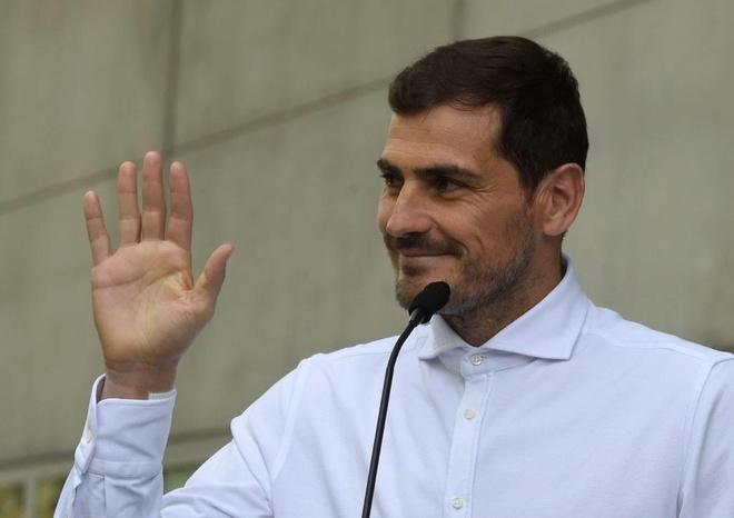 Thu thanh Iker Casillas tuyen bo giai nghe o tuoi 38 hinh anh 1