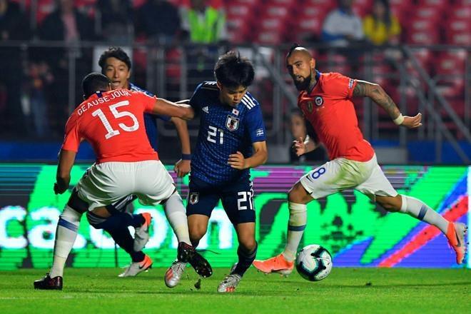 Nhật Bản thua Chile 0-4 trong ngày ra quân Copa America 2019. Ảnh: Getty.