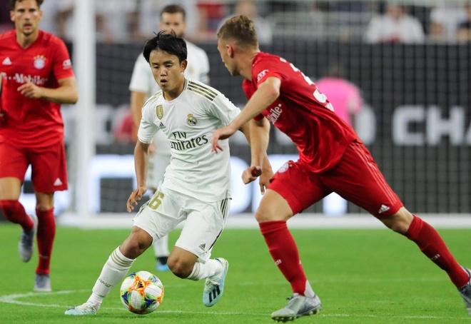 Tan binh Real Madrid Takefusa Kubo o Viet Nam, anh 2