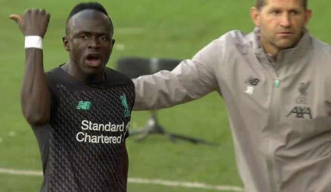 Liverpool,  Mane noi cau Salah anh 1
