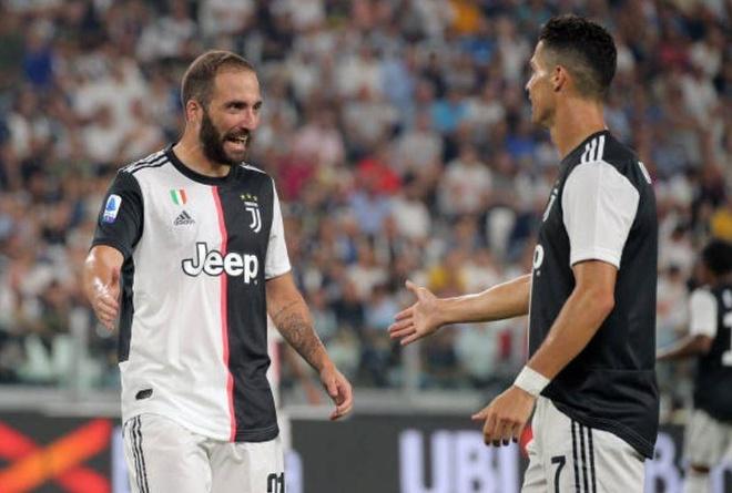 Ronaldo lap cong, Juventus ha Napoli o tran cau co 7 ban thang hinh anh 1