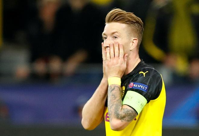 Reus da hong phat den khien Dortmund chia diem voi Barca hinh anh 2