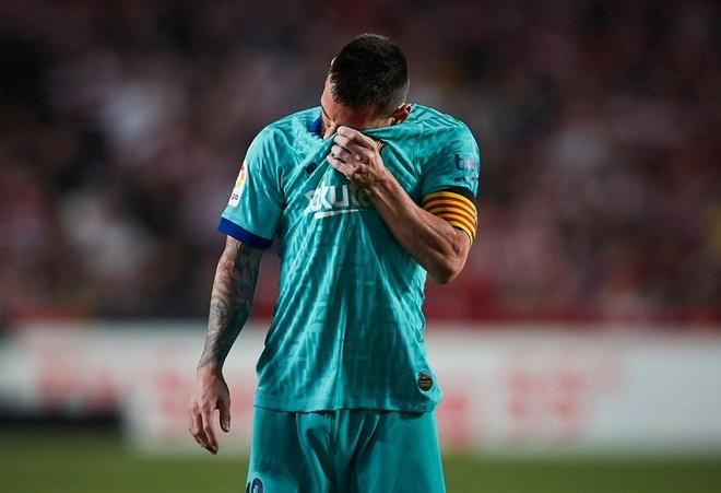 Barca thua soc 0-2 truoc Granada du Messi tro lai hinh anh 1