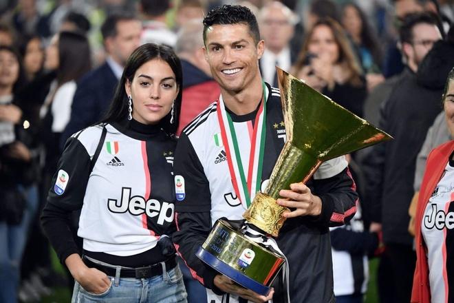 'Ronaldo xung dang gianh The Best chu khong phai Messi' hinh anh 1