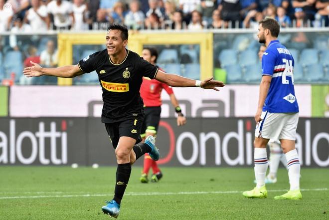 Sanchez ghi ban va nhan the do, Inter van vuot mat Juventus hinh anh 1