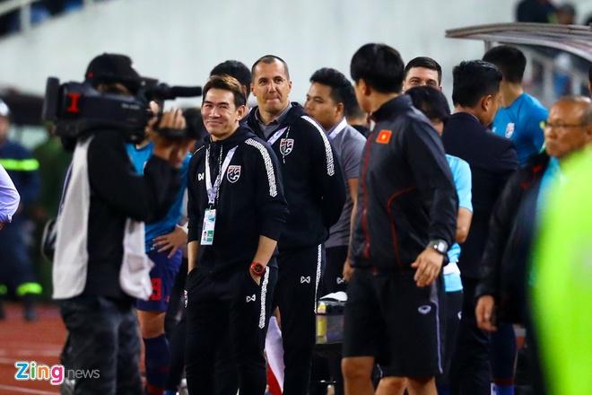 VFF, ong Park co the bao cao voi FIFA ve tro ly tuyen Thai Lan hinh anh 1