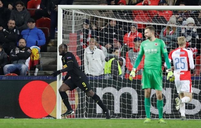 Lukaku mat hat-trick tai Champions League vi VAR hinh anh 1