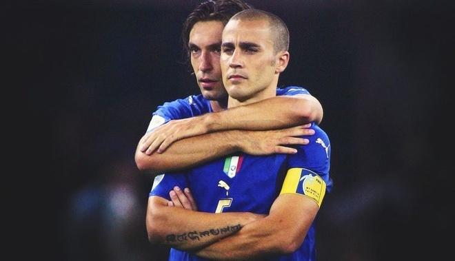 Cannavaro trêu đùa Pirlo là gã khốn vui tính - Thể thao
